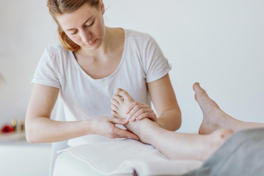 Fußreflexzonen-Massage Birgit Hölzl